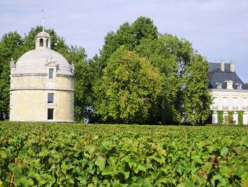 http://www.bordeauxinvestmentwines.co.uk/images/content/chateau-latour-2.jpg