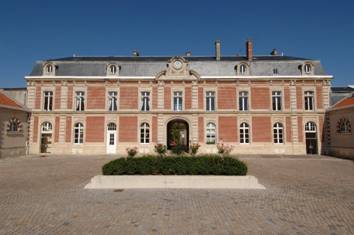 Image result for Champagne Louis Roederer reims